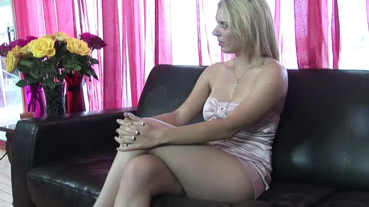 Pussy fuck for a young amateur girl