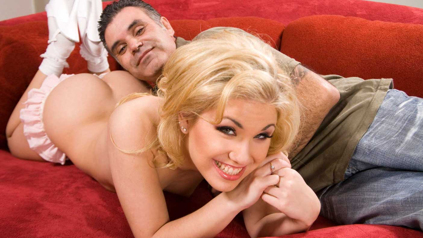 Blond babe happy to get facial cumming