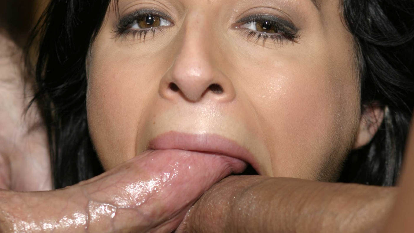 Black haired babe needs cum in mouth